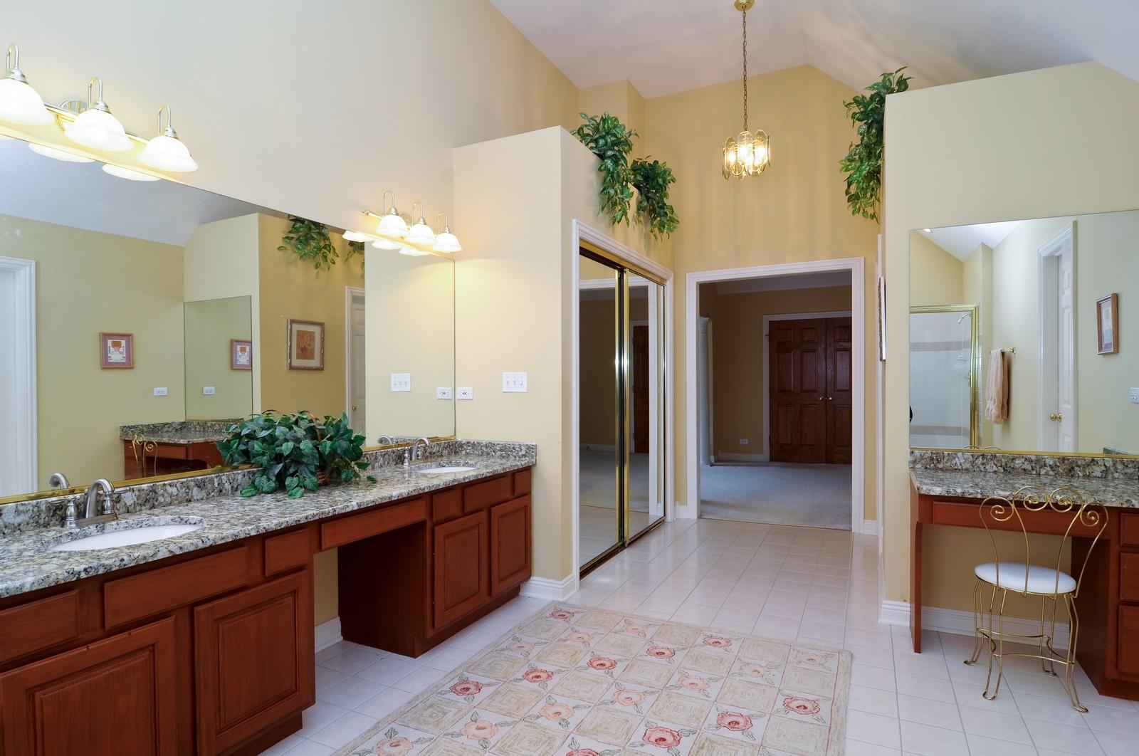 Real Estate Photography - 1026 Oakland Dr, Barrington, IL, 60010 - Master Bathroom