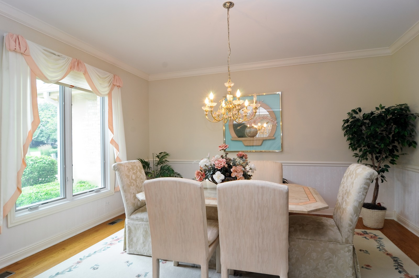 Real Estate Photography - 1026 Oakland Dr, Barrington, IL, 60010 - Dining Room