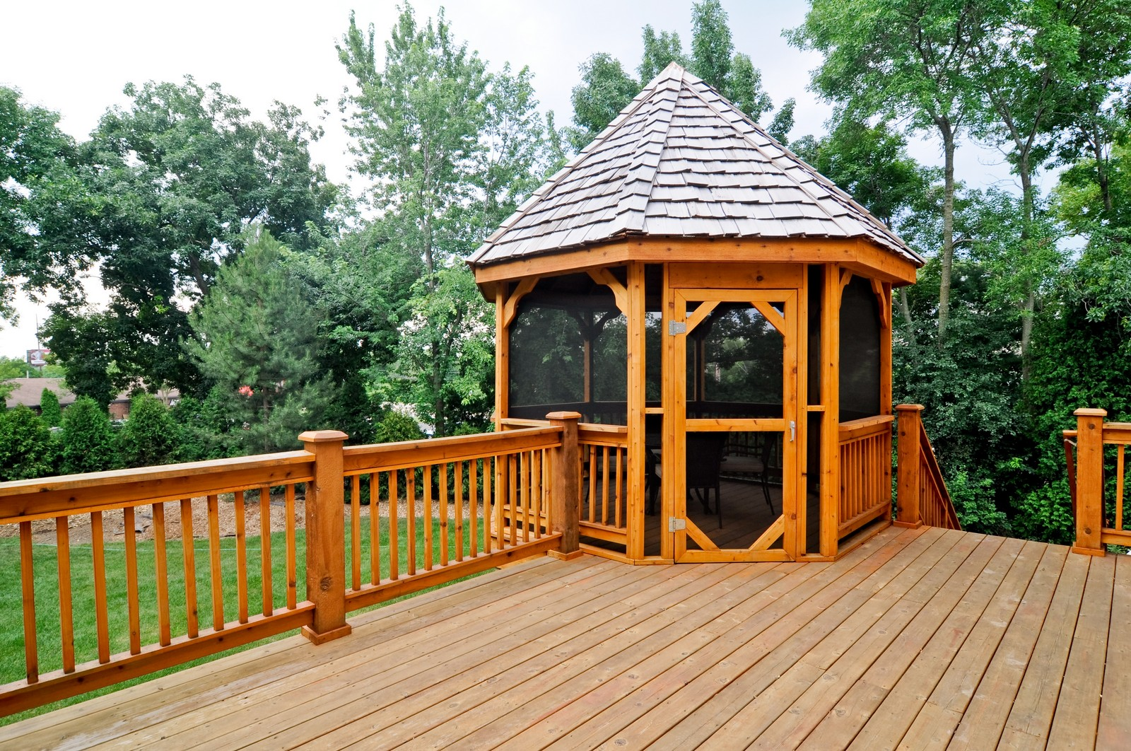 Real Estate Photography - 1026 Oakland Dr, Barrington, IL, 60010 - Deck