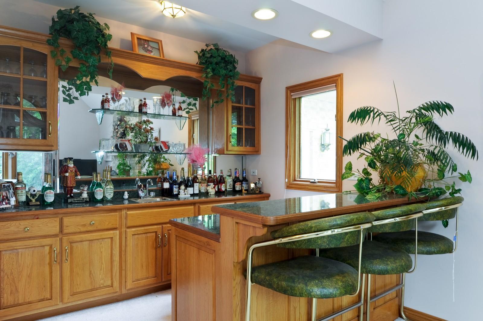 Real Estate Photography - 1026 Oakland Dr, Barrington, IL, 60010 - Bar