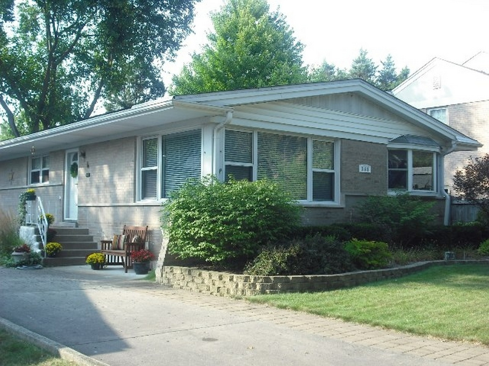 Real Estate Photography - 368 Lorraine St, Glen Ellyn, IL, 60137 - Front View