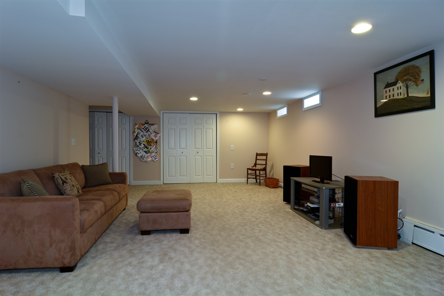 Real Estate Photography - 368 Lorraine St, Glen Ellyn, IL, 60137 - Family Room