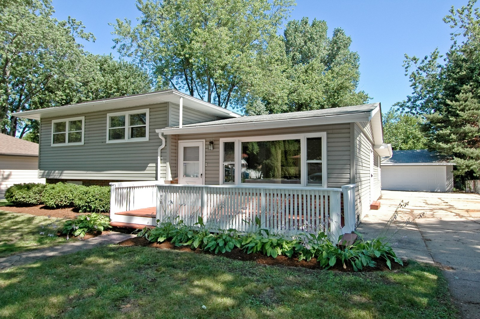 Real Estate Photography - 35W714 Crispin Dr, Elgin, IL, 60123 - Front View