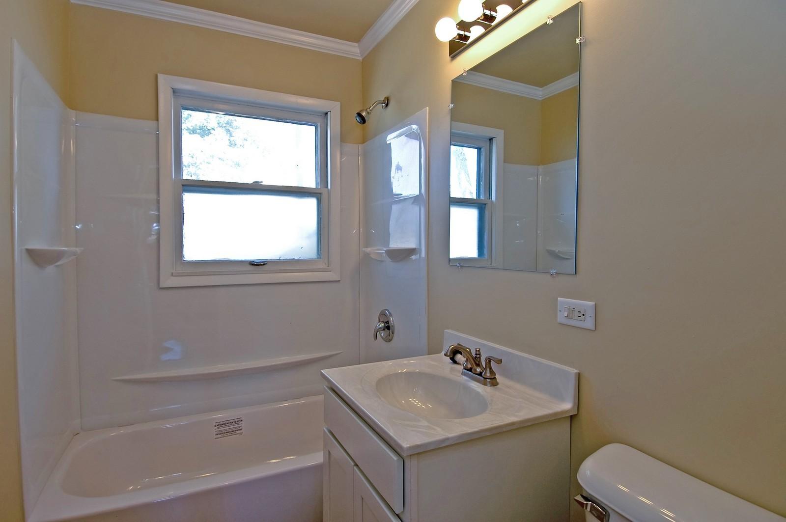 Real Estate Photography - 35W714 Crispin Dr, Elgin, IL, 60123 - Bathroom