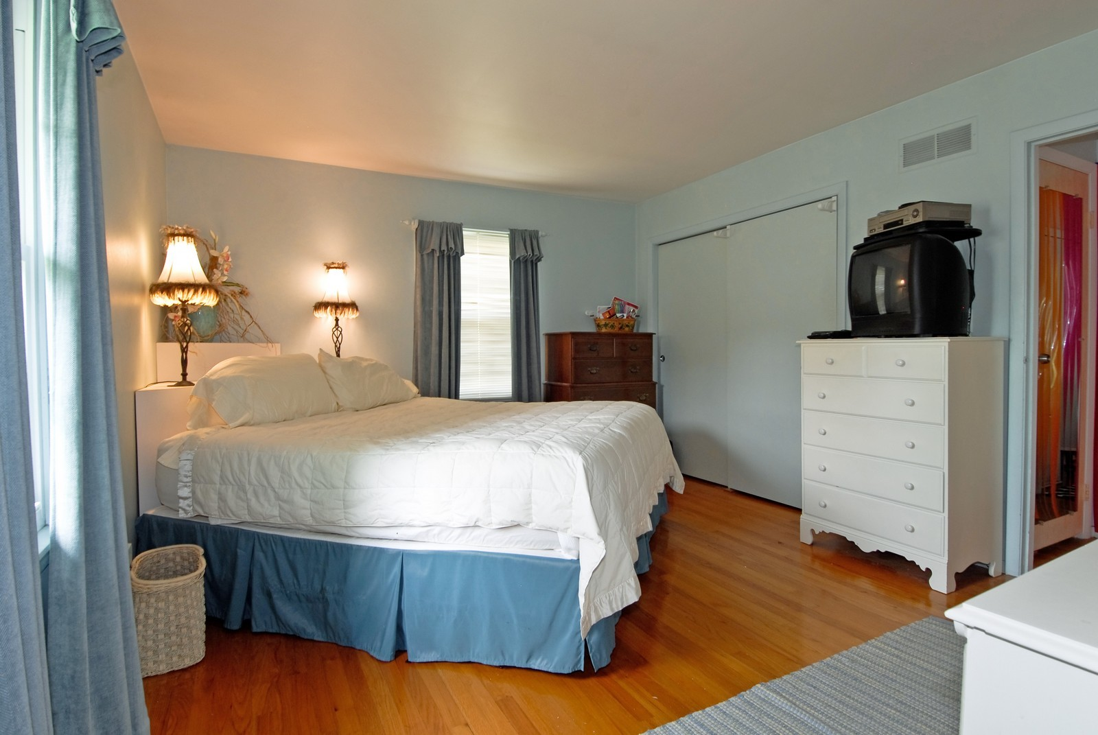 Real Estate Photography - 1112 S 11TH St, St Charles, IL, 60174 - Master Bedroom