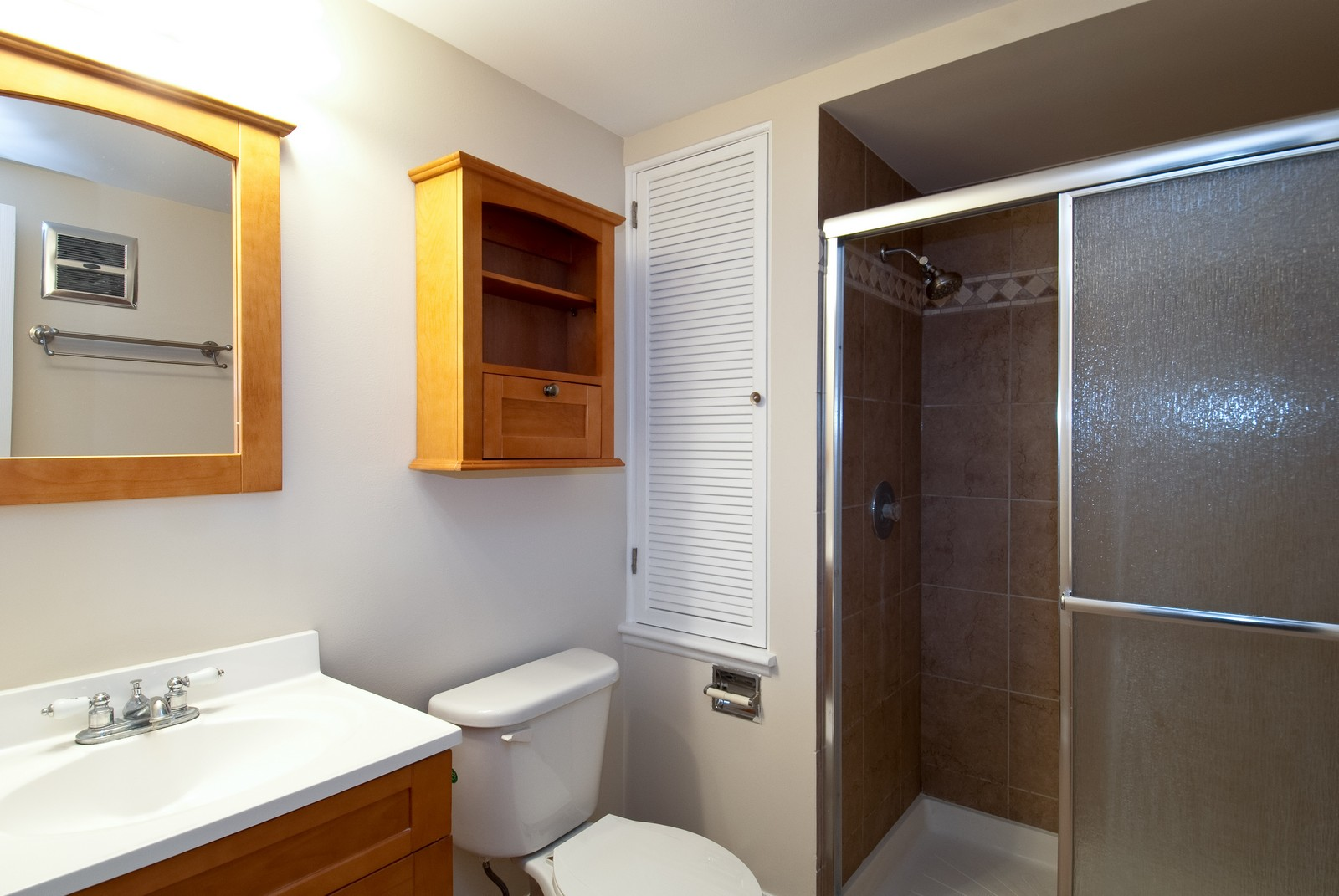 Real Estate Photography - 550 E Main St, Unit 2C, Barrington, IL, 60010 - Master Bathroom