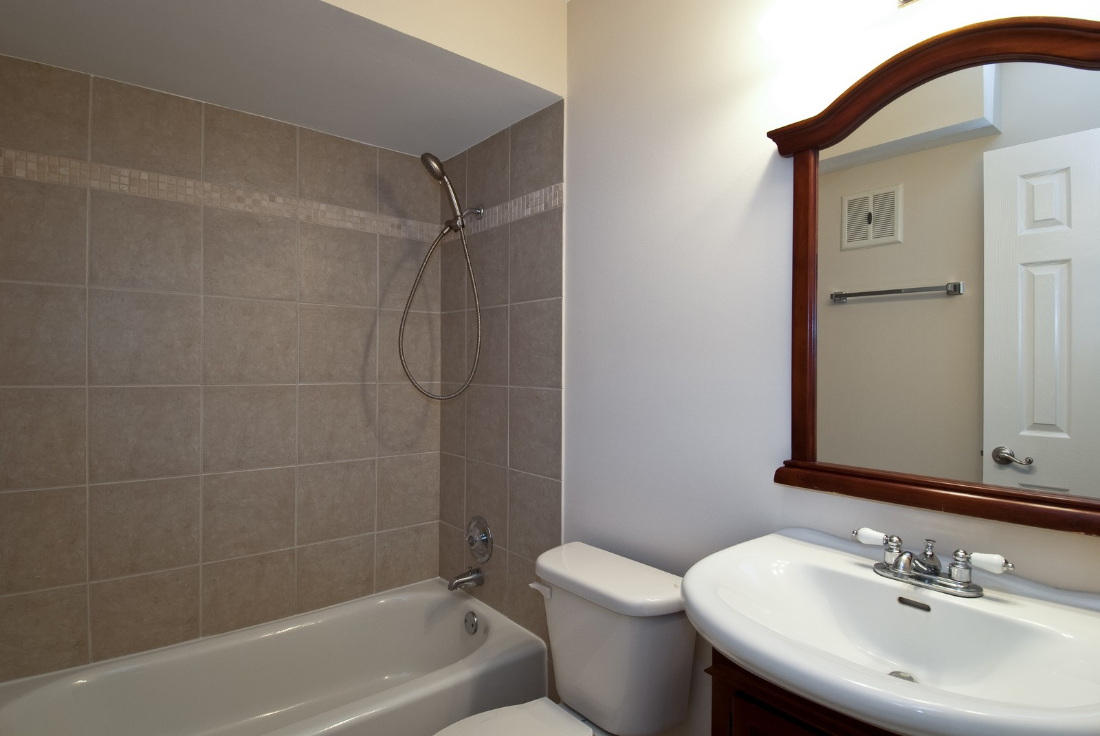Real Estate Photography - 550 E Main St, Unit 2C, Barrington, IL, 60010 - Bathroom