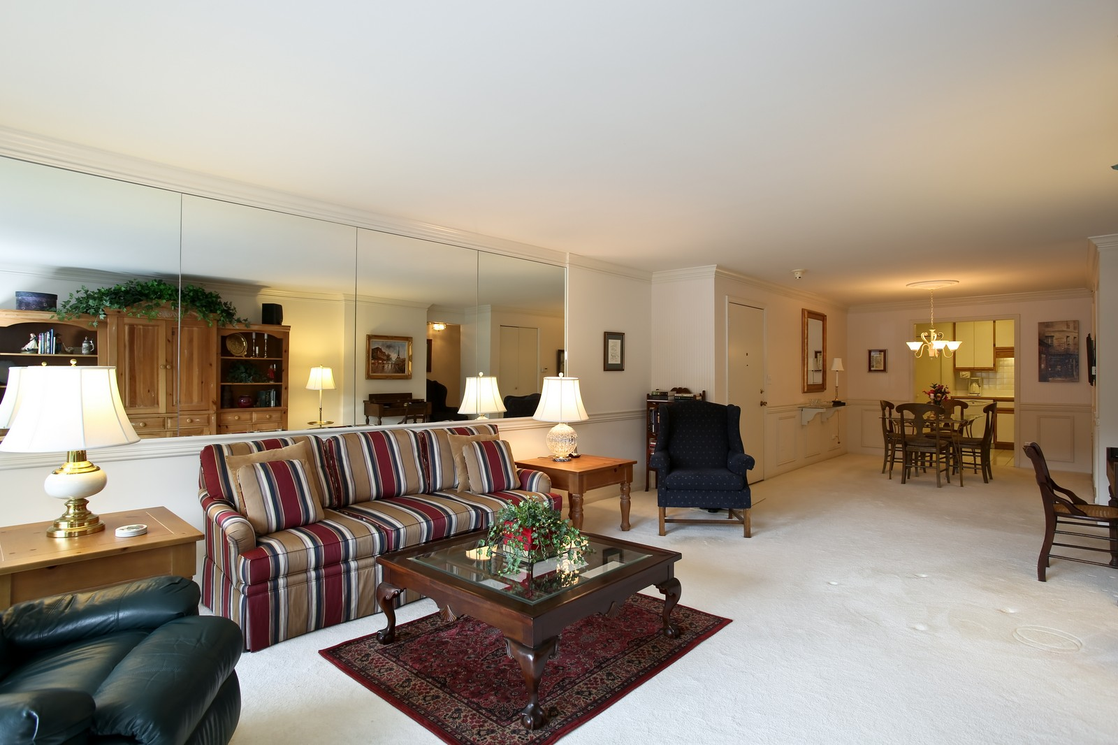 Real Estate Photography - 519 N Main St, Unit 2DN, Glen Ellyn, IL, 60137 - Location 1