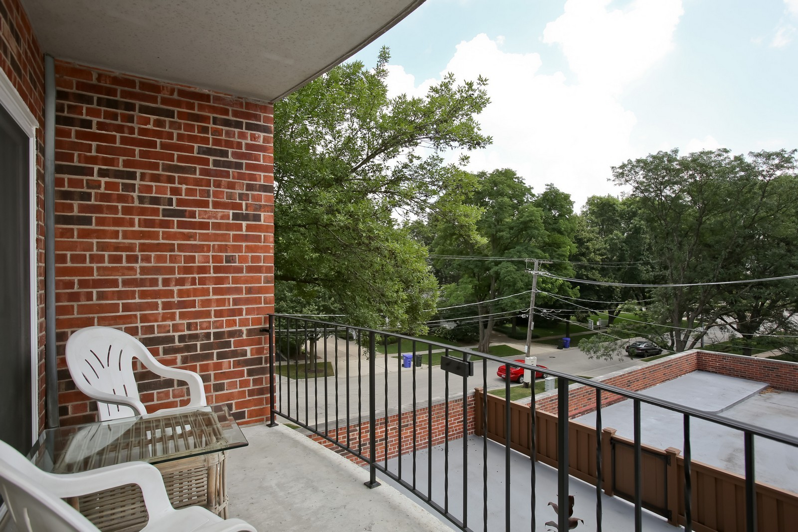 Real Estate Photography - 519 N Main St, Unit 2DN, Glen Ellyn, IL, 60137 - Patio