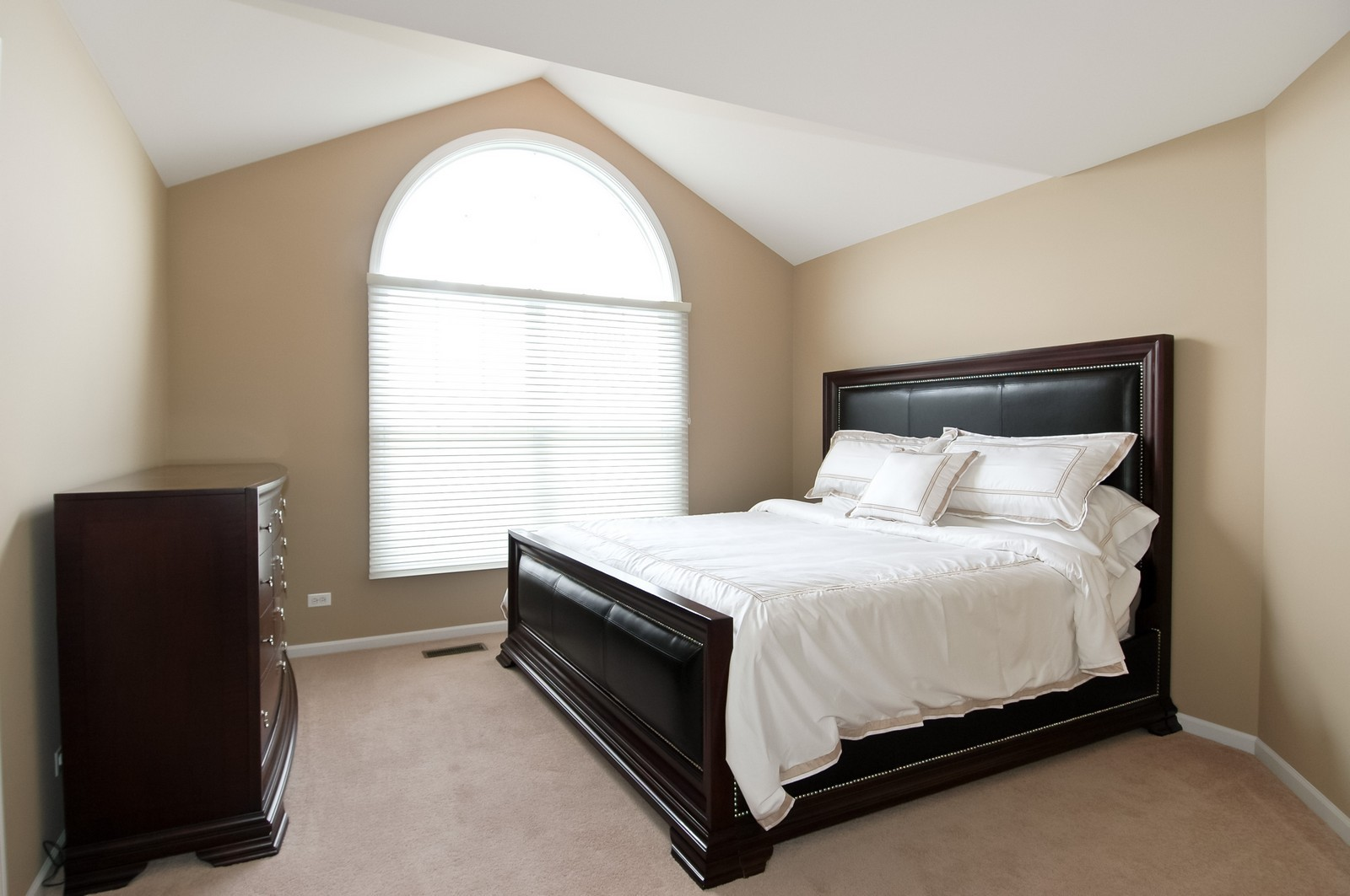 Real Estate Photography - 4435 Coyote Lakes Cir, Lake in the Hills, IL, 60156 - Bedroom
