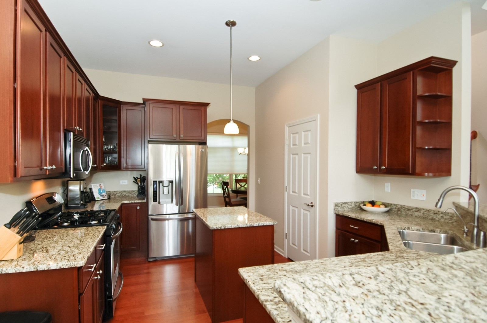 Real Estate Photography - 4435 Coyote Lakes Cir, Lake in the Hills, IL, 60156 - Kitchen