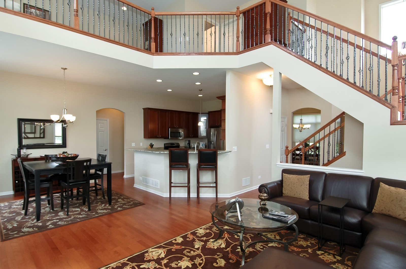 Real Estate Photography - 4435 Coyote Lakes Cir, Lake in the Hills, IL, 60156 - Kitchen / Living Room