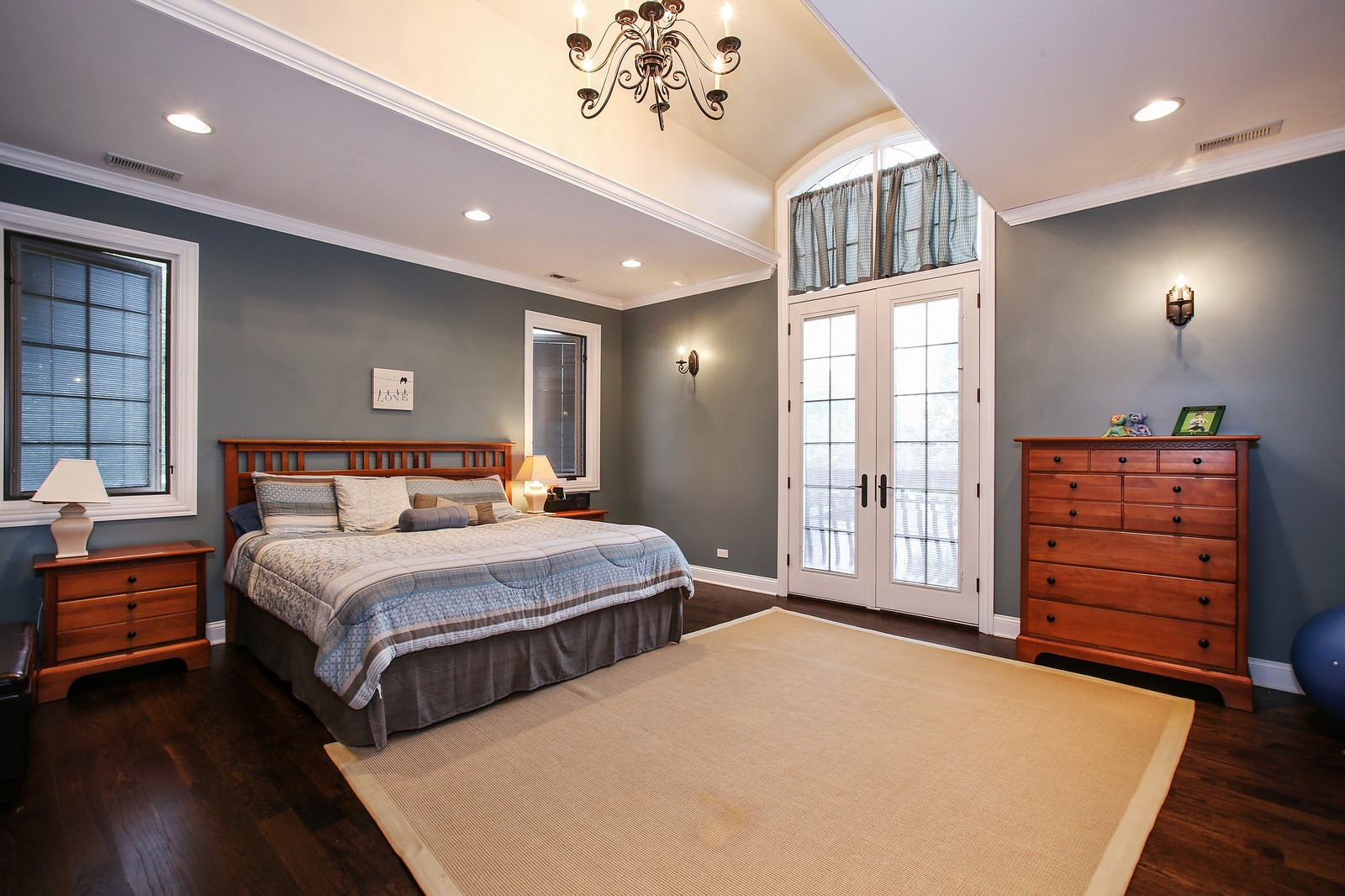 Real Estate Photography - 719 S Hillside Ave, Elmhurst, IL, 60126 - Master Bedroom