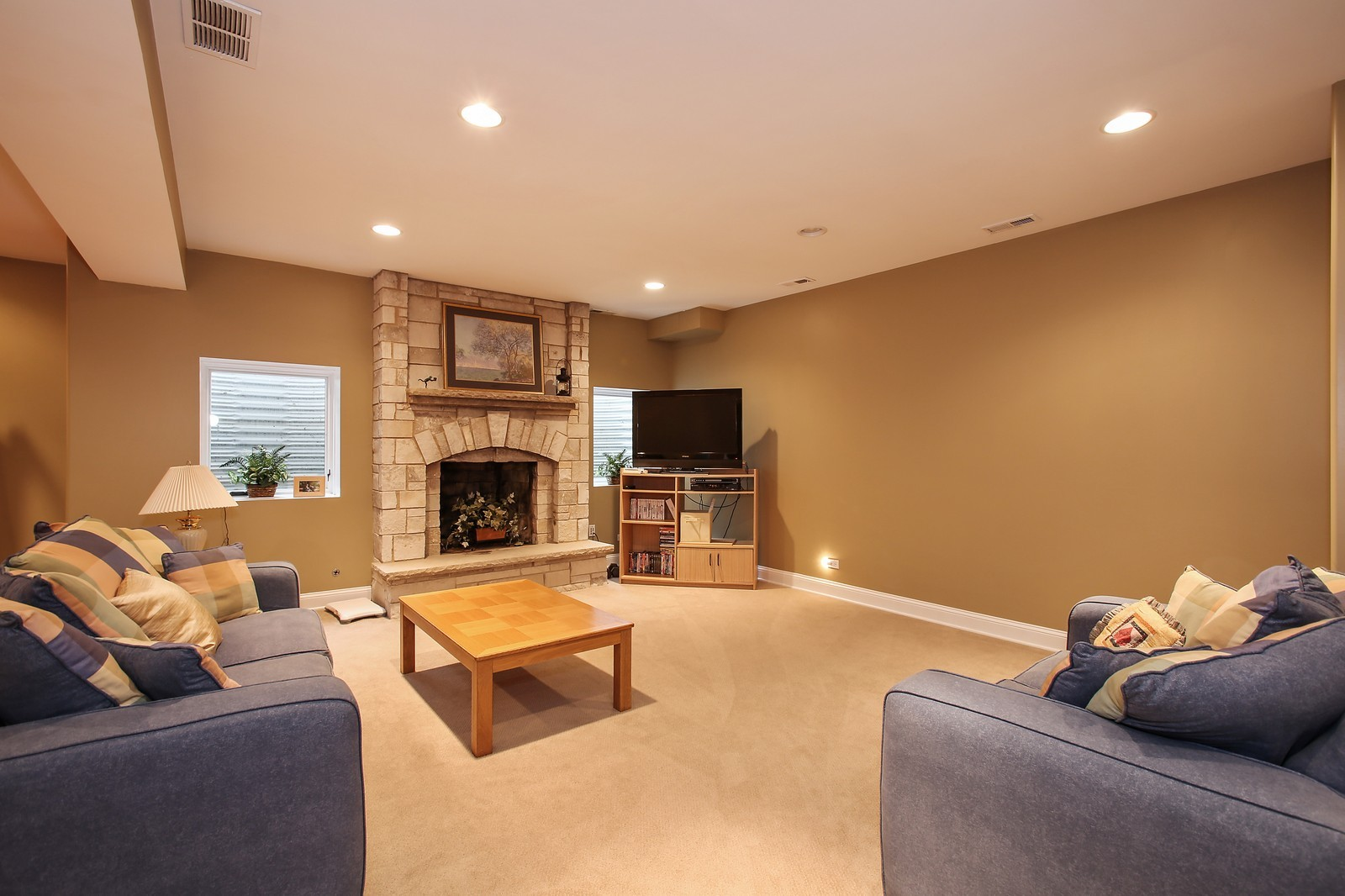 Real Estate Photography - 719 S Hillside Ave, Elmhurst, IL, 60126 - Lower Level