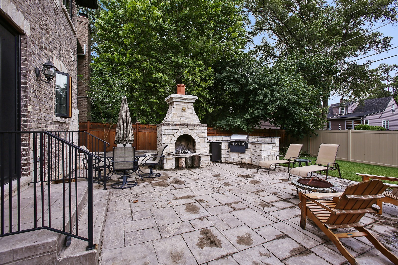 Real Estate Photography - 719 S Hillside Ave, Elmhurst, IL, 60126 - Patio