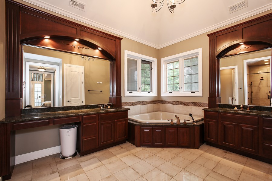 Real Estate Photography - 719 S Hillside Ave, Elmhurst, IL, 60126 - Master Bathroom
