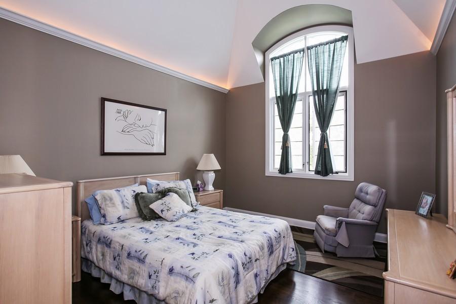 Real Estate Photography - 719 S Hillside Ave, Elmhurst, IL, 60126 - 3rd Bedroom