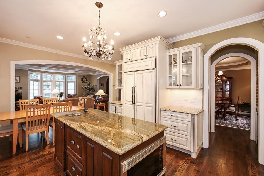 Real Estate Photography - 719 S Hillside Ave, Elmhurst, IL, 60126 - Kitchen