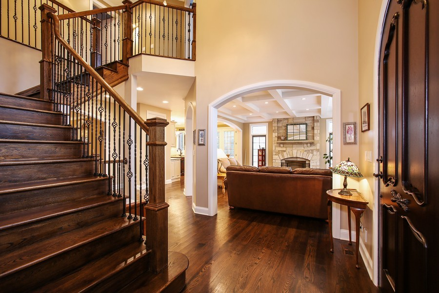 Real Estate Photography - 719 S Hillside Ave, Elmhurst, IL, 60126 - Foyer
