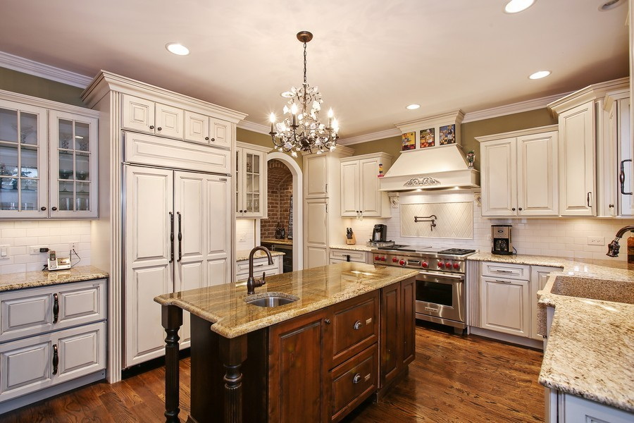 Real Estate Photography - 719 S Hillside Ave, Elmhurst, IL, 60126 - Kitchen