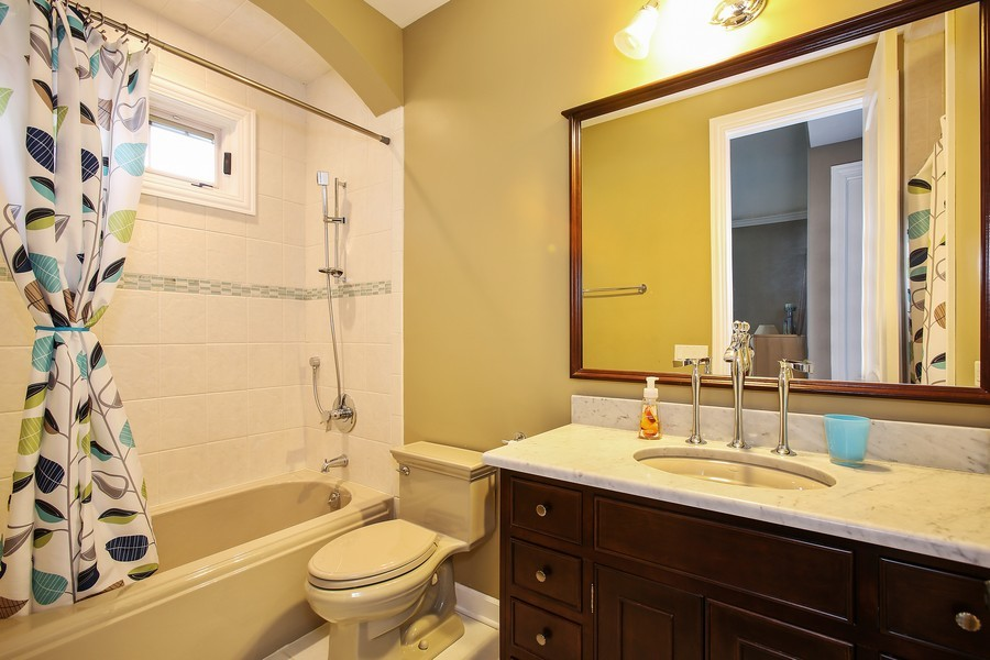Real Estate Photography - 719 S Hillside Ave, Elmhurst, IL, 60126 - Bathroom