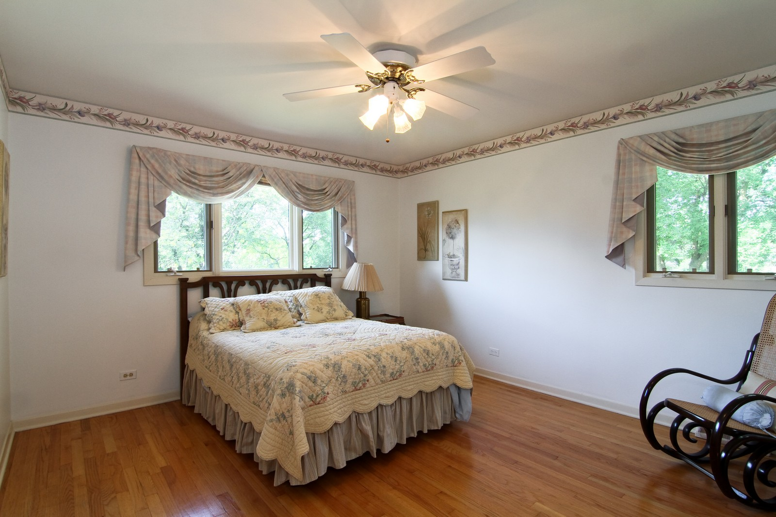 Real Estate Photography - 829 Columbia, Darien, IL, 60561 - 2nd Bedroom
