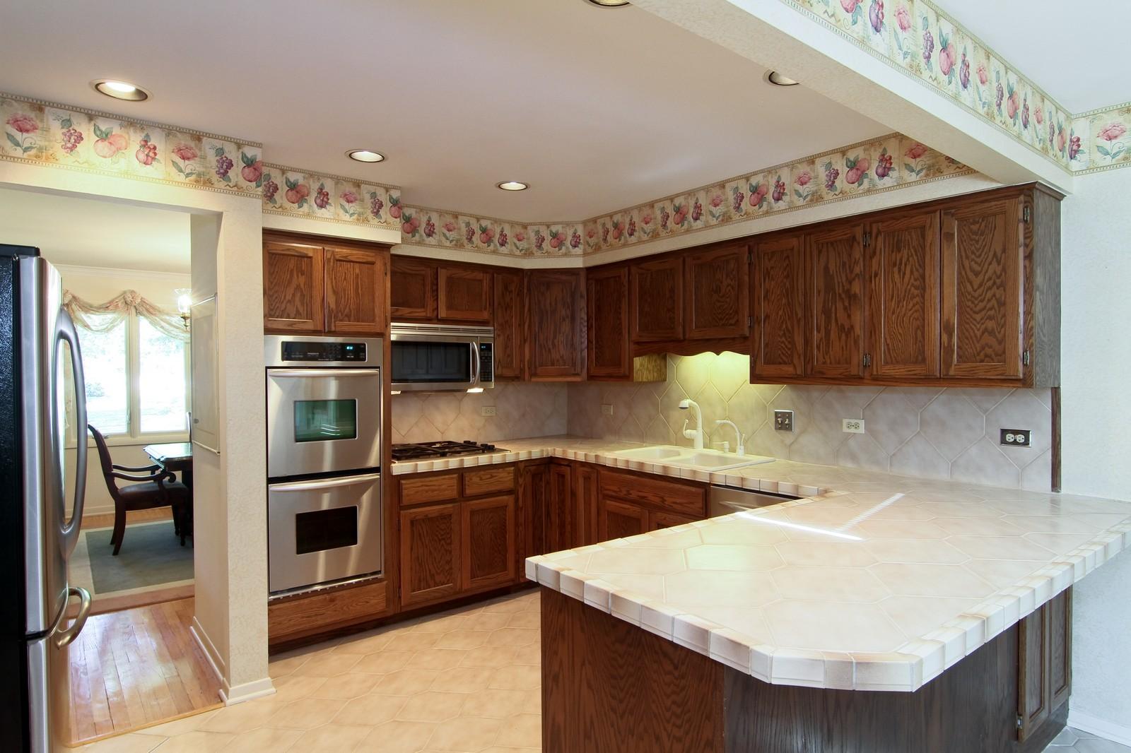 Real Estate Photography - 829 Columbia, Darien, IL, 60561 - Kitchen