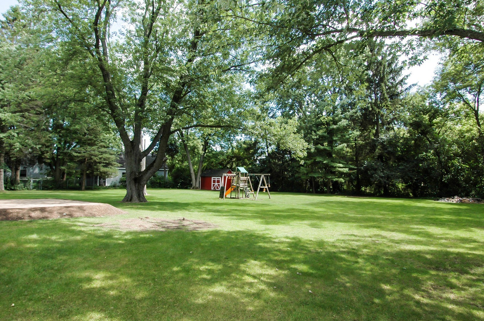 Real Estate Photography - 621 Miller Rd, North Barrington, IL, 60010 - Location 1