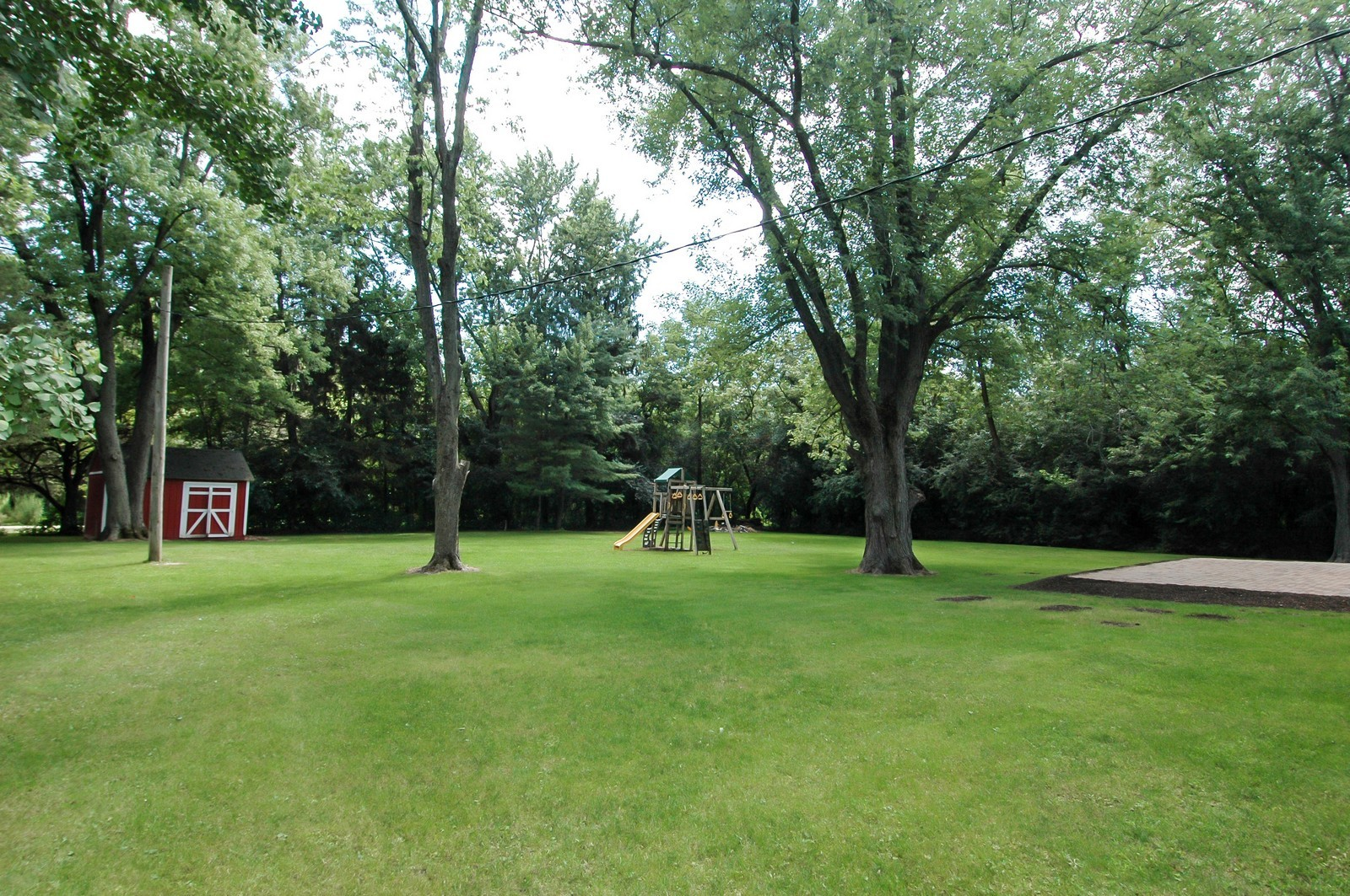Real Estate Photography - 621 Miller Rd, North Barrington, IL, 60010 - Back Yard