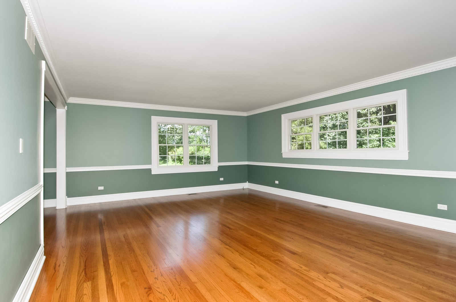 Real Estate Photography - 621 Miller Rd, North Barrington, IL, 60010 - Family Room