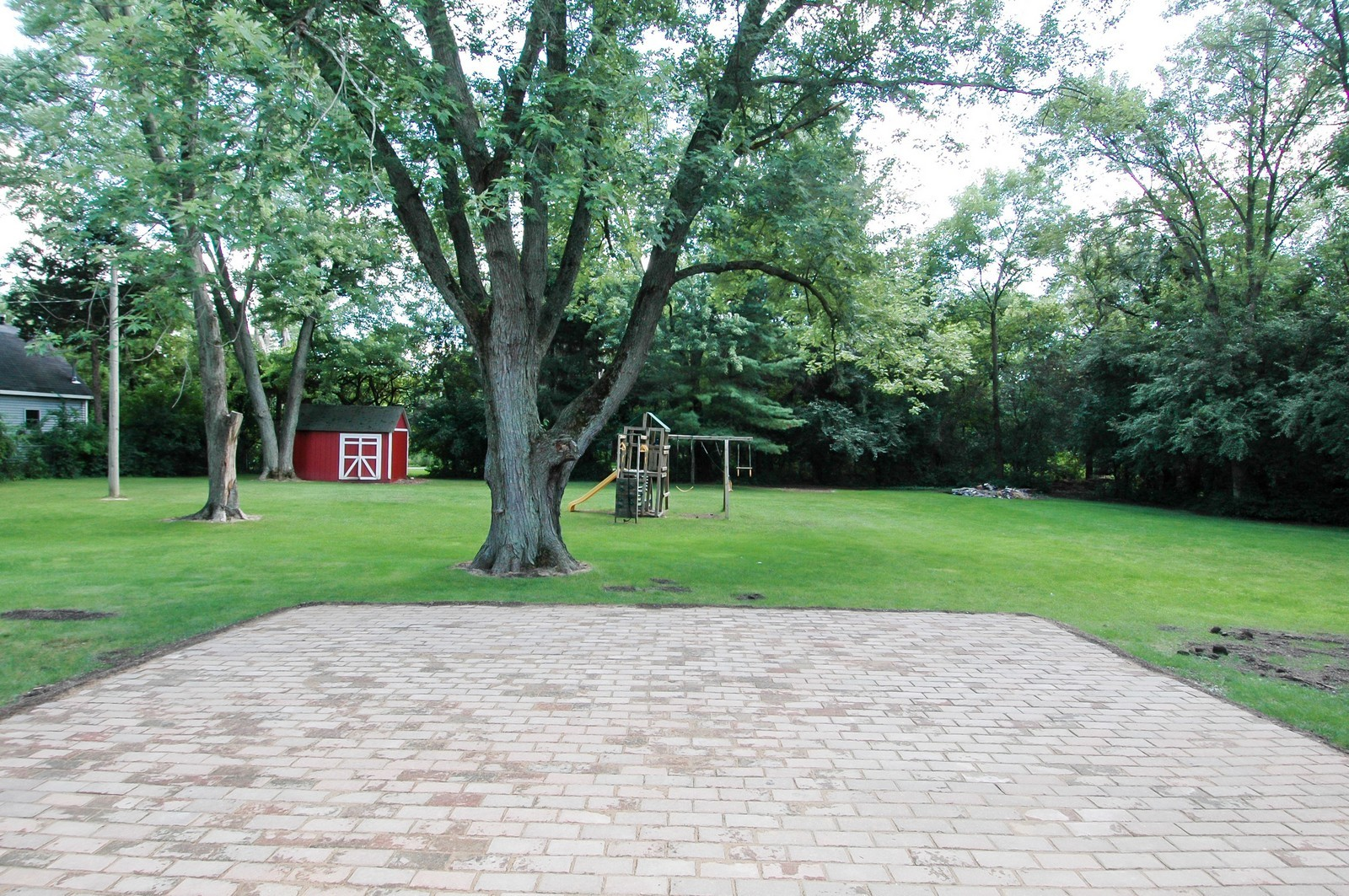 Real Estate Photography - 621 Miller Rd, North Barrington, IL, 60010 - Patio