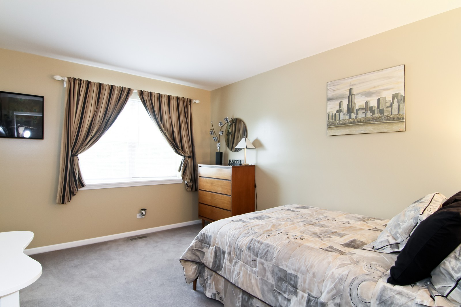 Real Estate Photography - 232 Carlisle Ave, Unit 232, Westmont, IL, 60559 - Bedroom