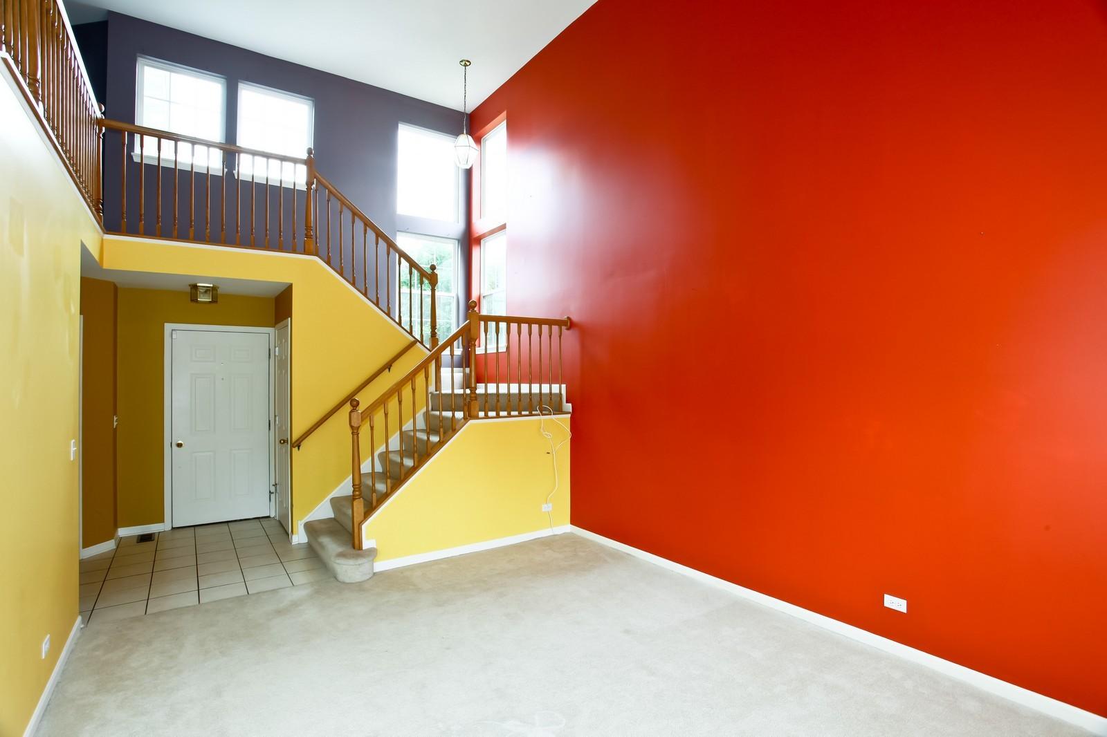Real Estate Photography - 2412 Lexington Ln, Naperville, IL, 60540 - Living Room