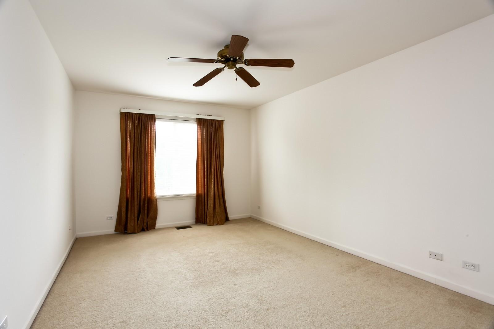 Real Estate Photography - 2412 Lexington Ln, Naperville, IL, 60540 - Master Bedroom