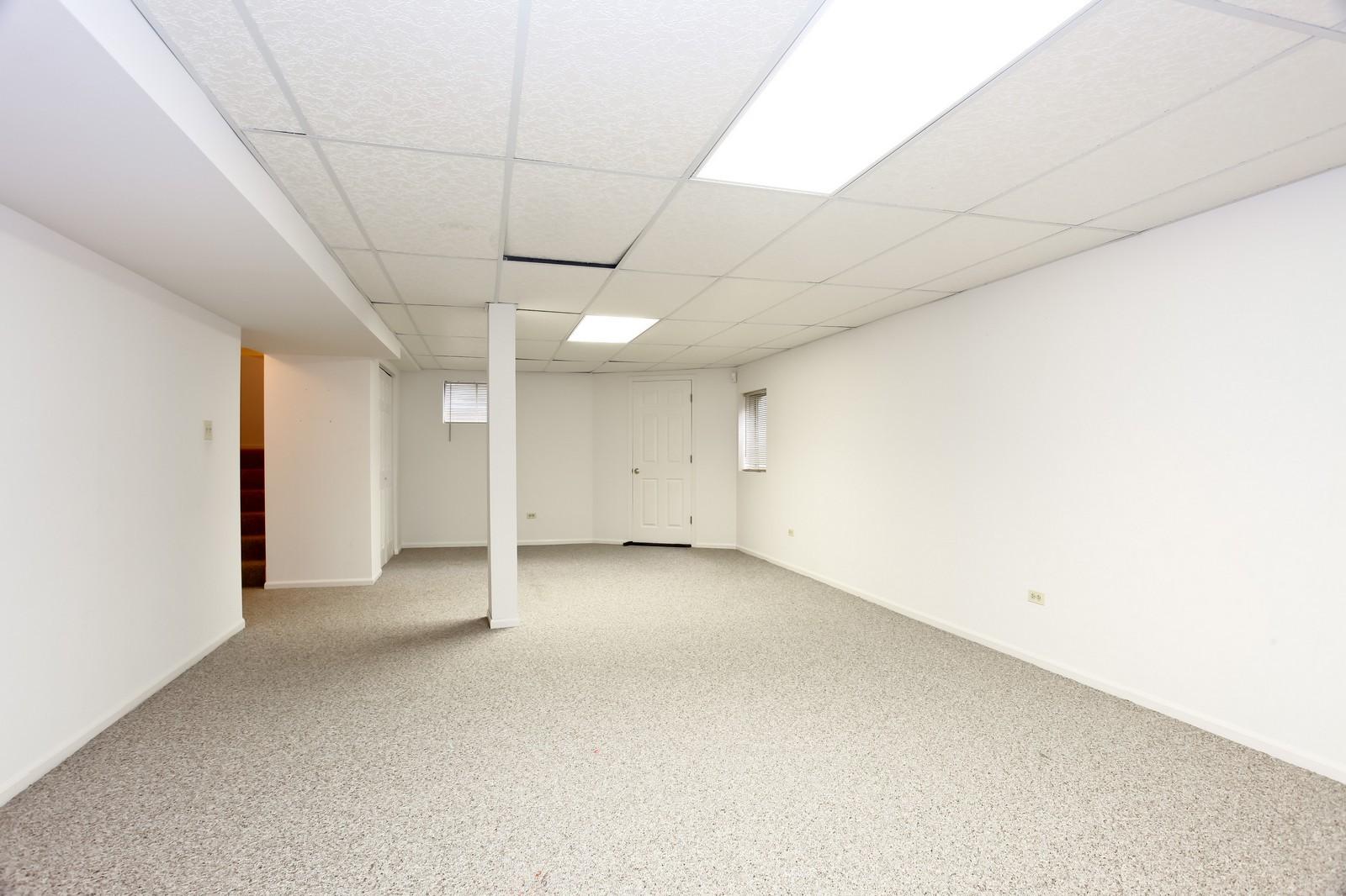 Real Estate Photography - 2412 Lexington Ln, Naperville, IL, 60540 - Basement
