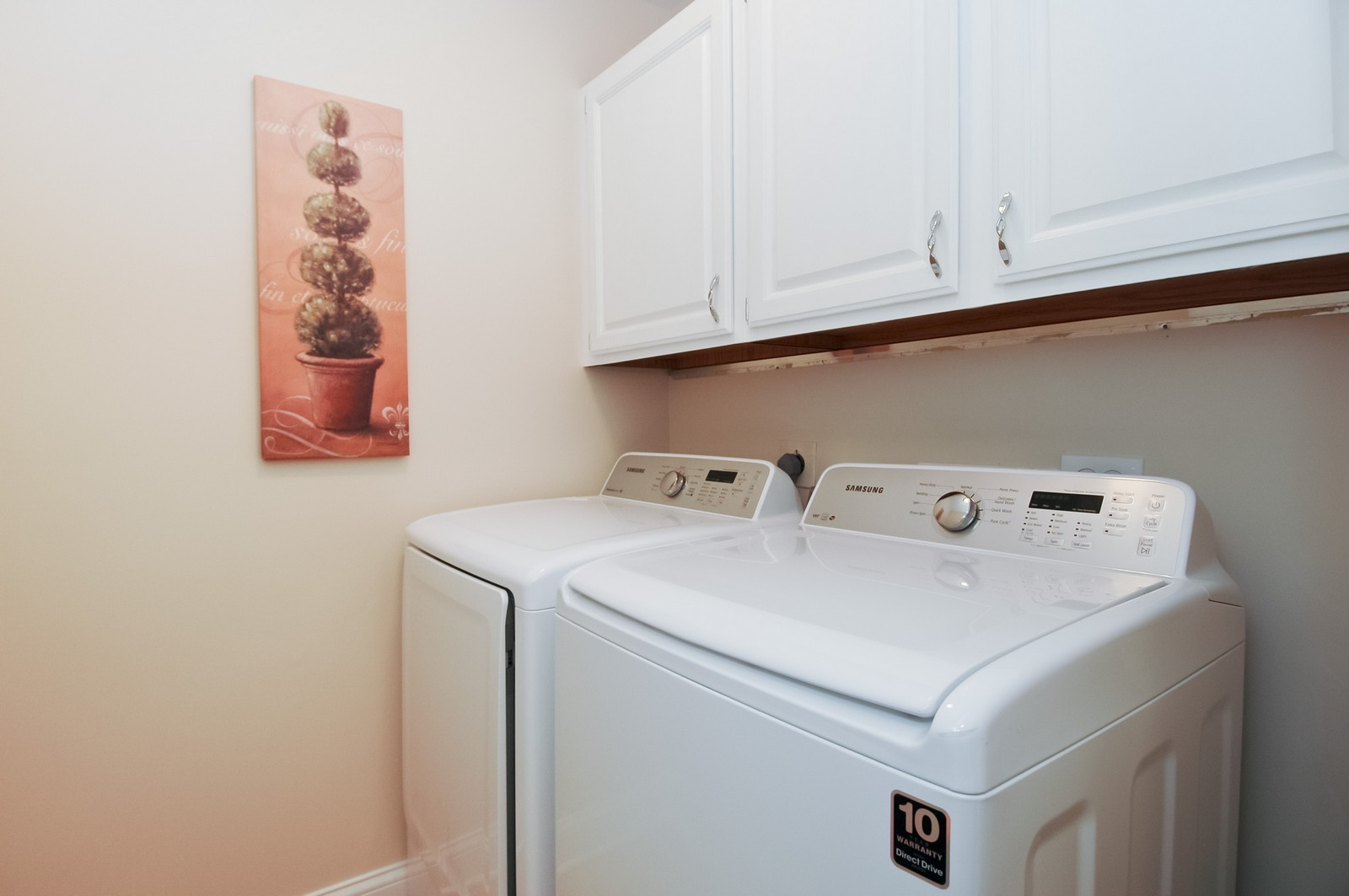 Real Estate Photography - 297 Oak Hill Rd, Lake Barrington, IL, 60010 - Laundry Room