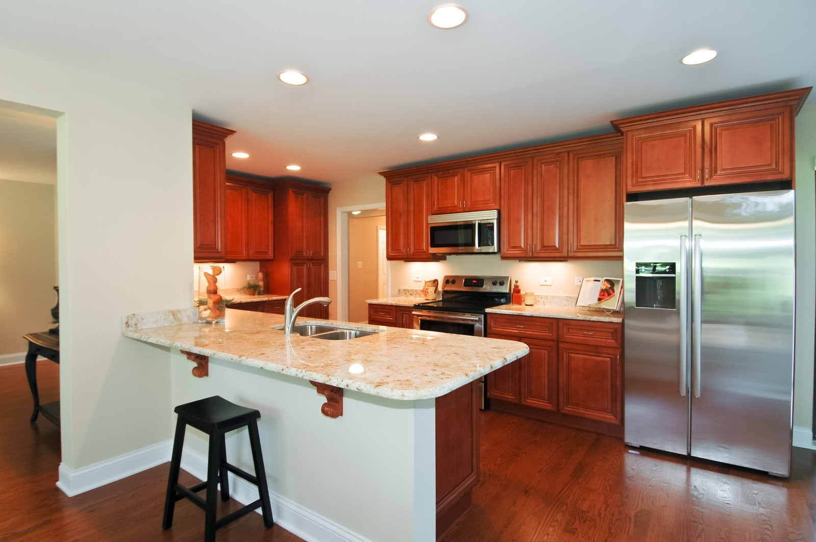 Real Estate Photography - 297 Oak Hill Rd, Lake Barrington, IL, 60010 - Kitchen
