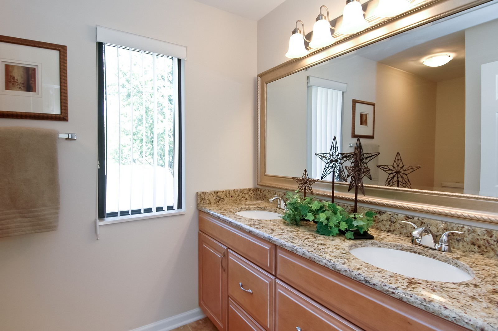 Real Estate Photography - 297 Oak Hill Rd, Lake Barrington, IL, 60010 - 2nd Bathroom