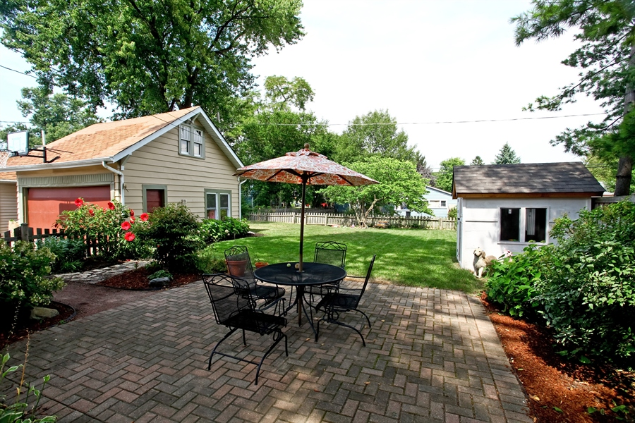 Real Estate Photography - 410 Grant St, Downers Grove, IL, 60515 - Patio
