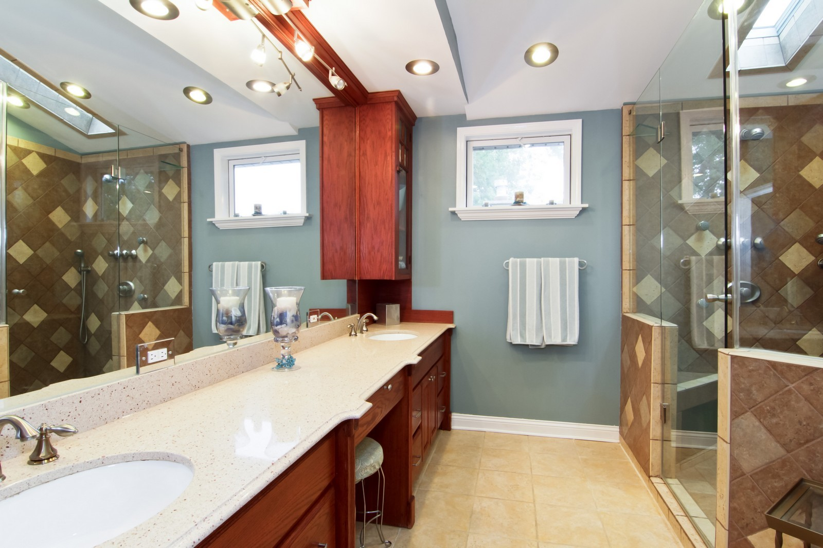 Real Estate Photography - 6224 Blodgett Ave, Downers Grove, IL, 60516 - Master Bathroom