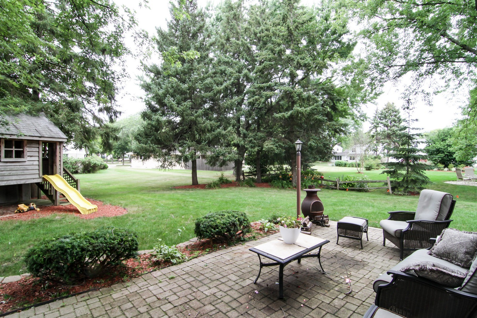 Real Estate Photography - 6224 Blodgett Ave, Downers Grove, IL, 60516 - Patio