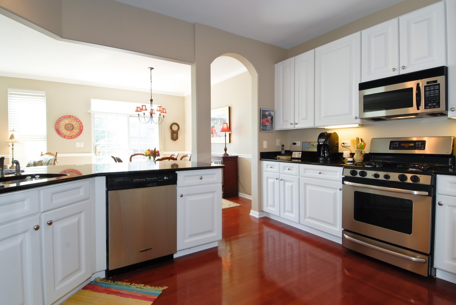 Real Estate Photography - 420 Cannon Dr, Geneva, IL, 60134 - Kitchen / Breakfast Room