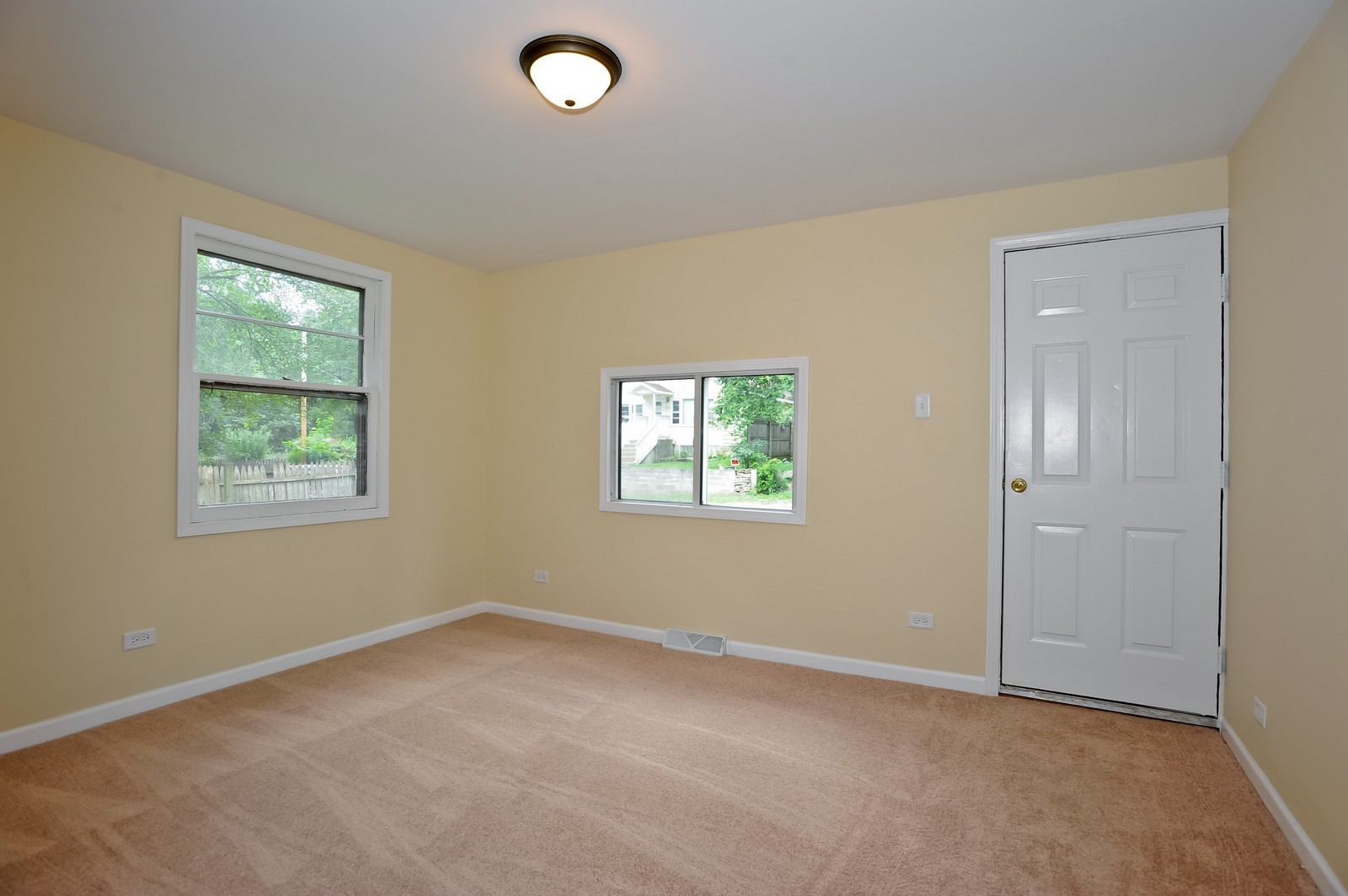 Real Estate Photography - 6N939 Woodlawn Ave, St Charles, IL, 60174 - Master Bedroom