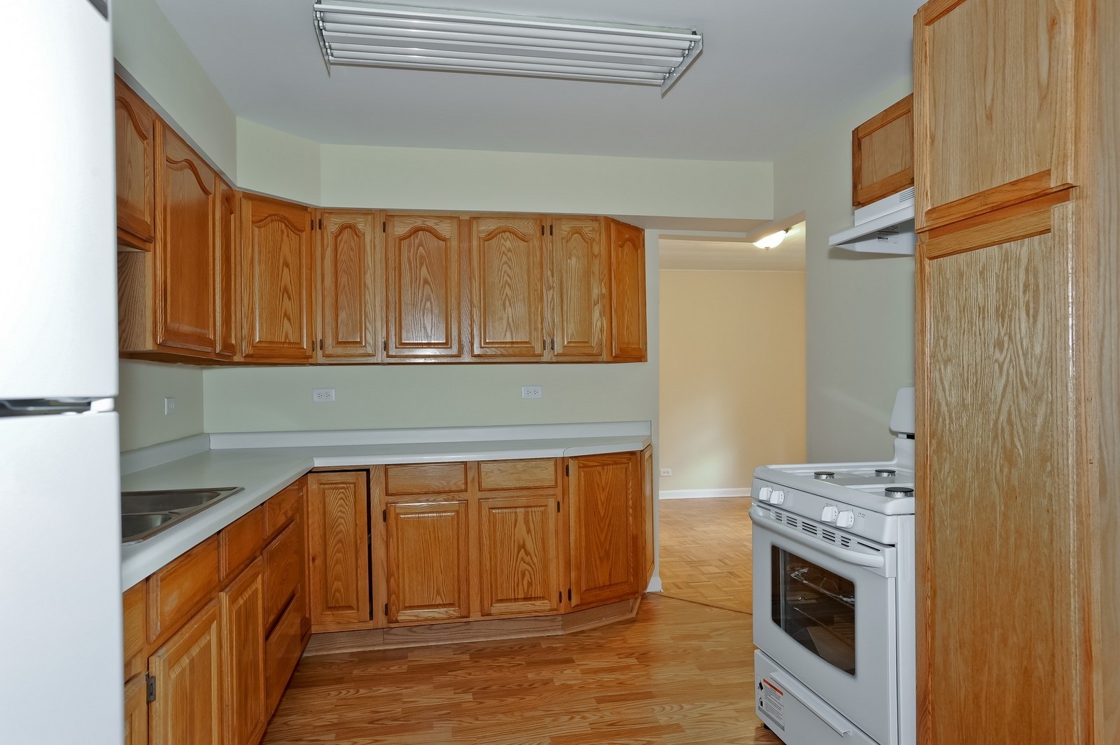 Real Estate Photography - 6N939 Woodlawn Ave, St Charles, IL, 60174 - Kitchen