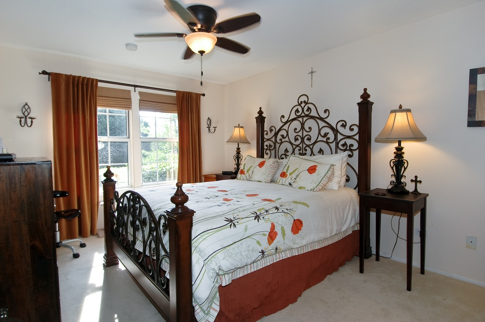 Real Estate Photography - 1687 Pearl Ct, Unit A, Crystal Lake, IL, 60014 - Master Bedroom