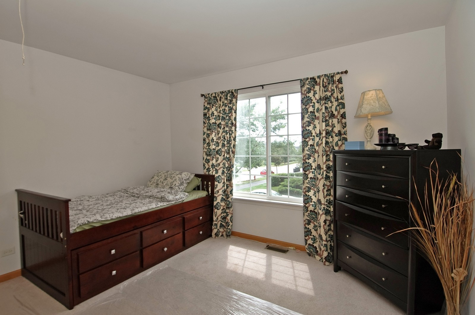 Real Estate Photography - 460 New Haven Dr, Unit 1, Cary, IL, 60013 - Bedroom