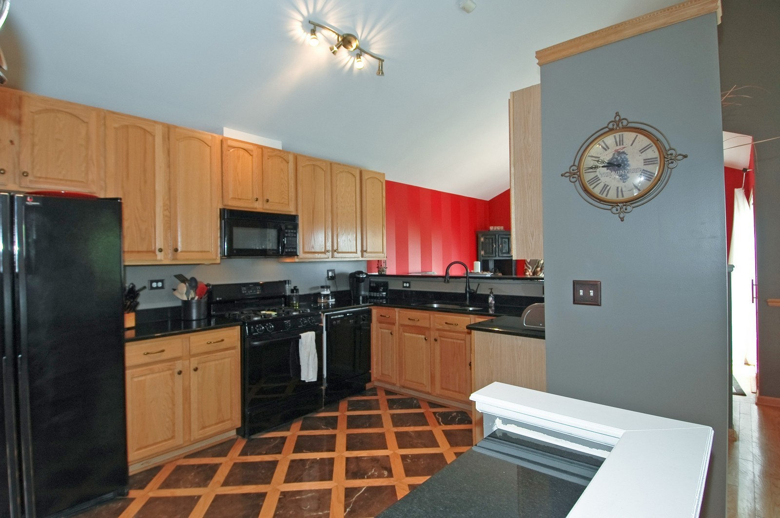 Real Estate Photography - 460 New Haven Dr, Unit 1, Cary, IL, 60013 - Kitchen