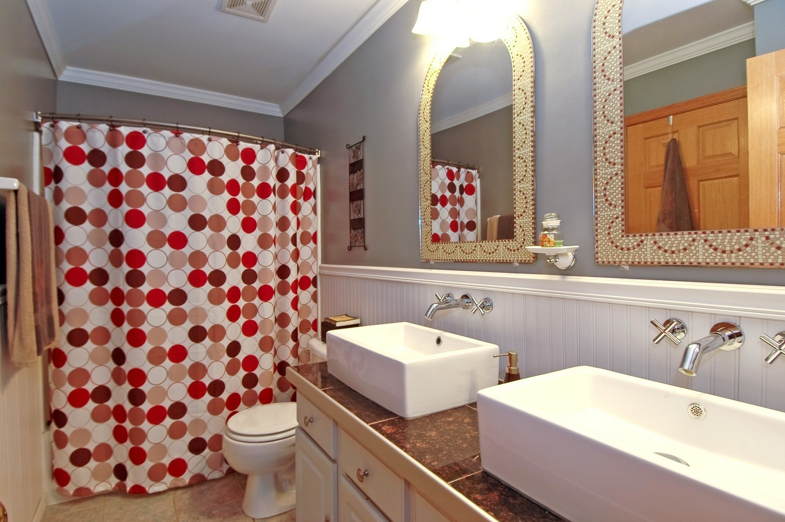Real Estate Photography - 460 New Haven Dr, Unit 1, Cary, IL, 60013 - Bathroom