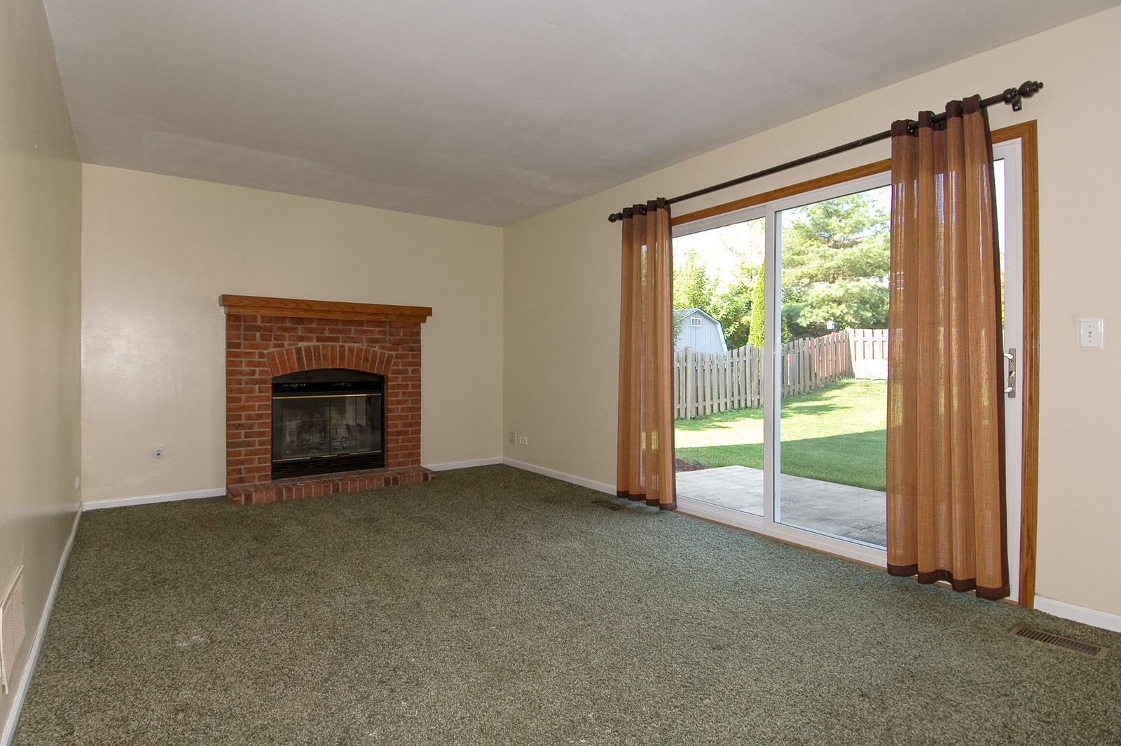 Real Estate Photography - 1700 Brompton Ln, Crystal Lake, IL, 60014 - Family Room