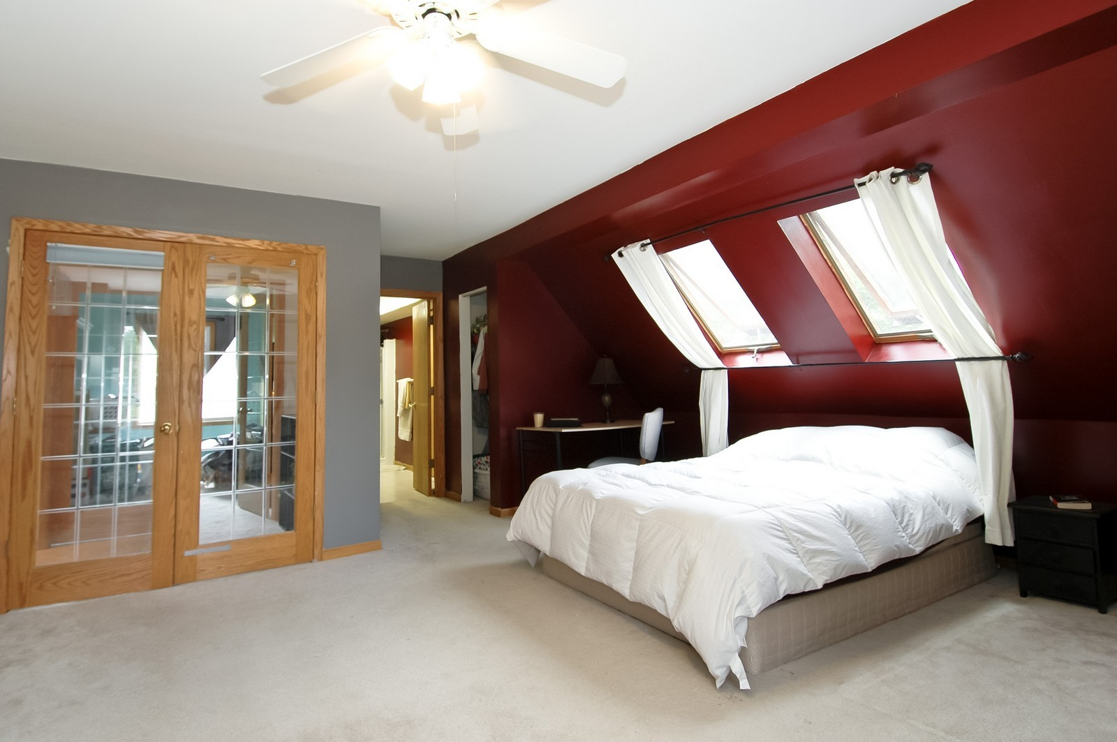 Real Estate Photography - 55 Surrey Ln, Crystal Lake, IL, 60014 - Master Bedroom
